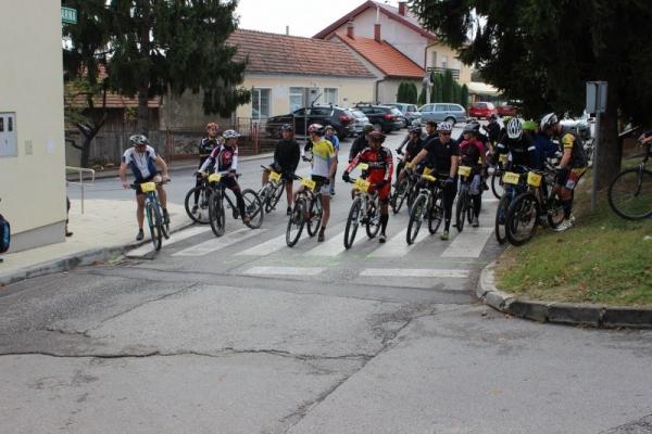 biciklijada-800x5330A78C661-3C93-409B-D89C-4EEAA849D6F4.jpg